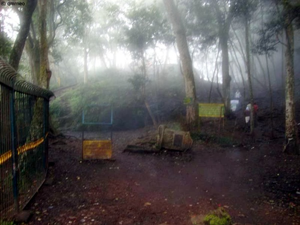 Devil's Kitchen (Guna Cave) Kodaikanal mntravelog