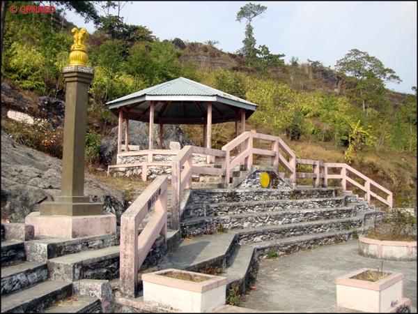 Front of Gufa, Kalimpong mntravelog