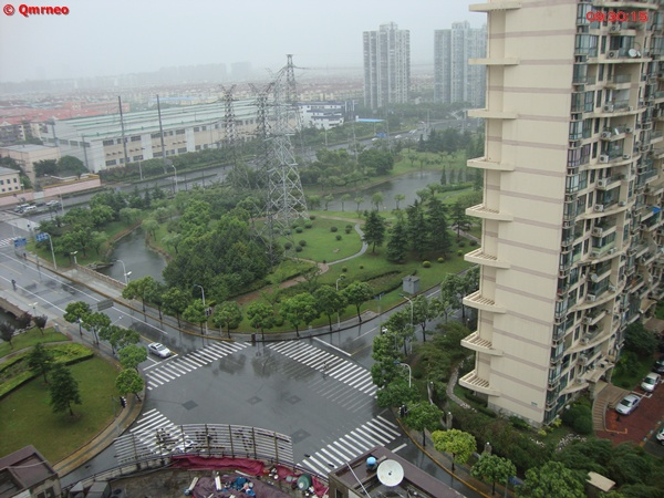 Typhoon Muifa hit Shanghai_high speed wind_view from balcony_MNTravelog