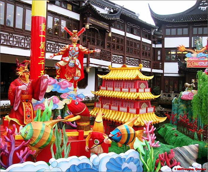 Chinese-New-year-Lake-Decoration-in-Yu-Garden-Arena-MNTravelog