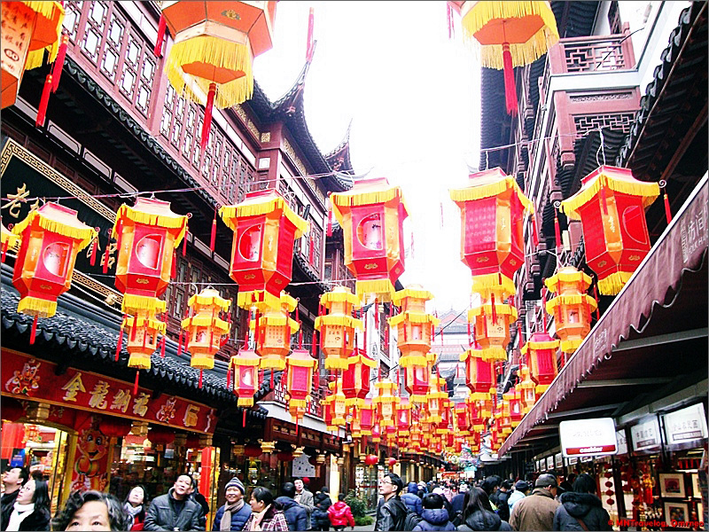 New-Year-Lantern-Festival-Decoration-at-Yu-Garden-Shanghai-MNTravelog