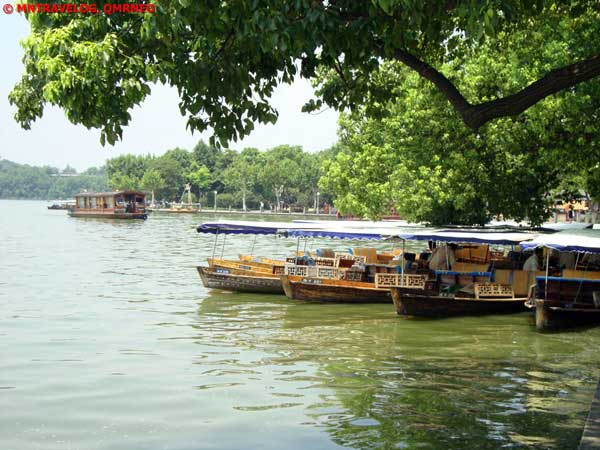 West lake boats flock,Hangzhou, Zhejiang China MNTravelog